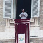 Cuidado com os vícios e ambições de poder que sufocam Deus, alerta o Papa