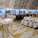 Papa: nunca prisioneiros de palavras ou fechados ao Espírito