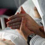 A eutanásia golpeia o rosto de Cristo