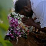 Sri Lanka chora as vítimas do massacre de Páscoa